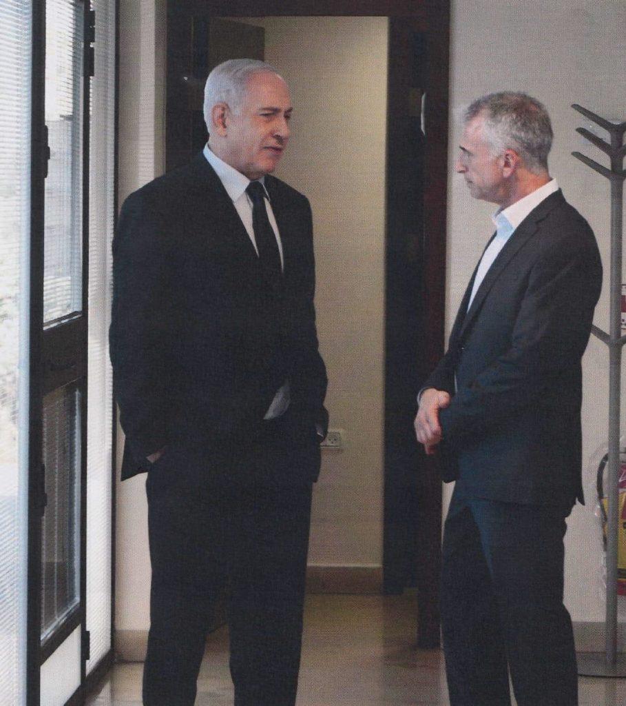 """ראש הממשלה לשעבר ויו""""ר האופוזיציה וראש המוסד"""